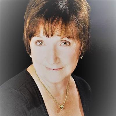 Sandi Mayes - Meditation and mindfulness coach