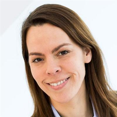 Kristina Triebow - Holistic Health Coach & Clinical Aromatherapist
